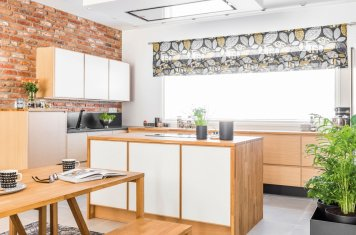 Miinus eco friendly handleless kitchen in light oak veneer and matte white island view