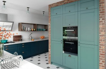 Contemporary style shaker kitchen in marine blue and teal green main picture